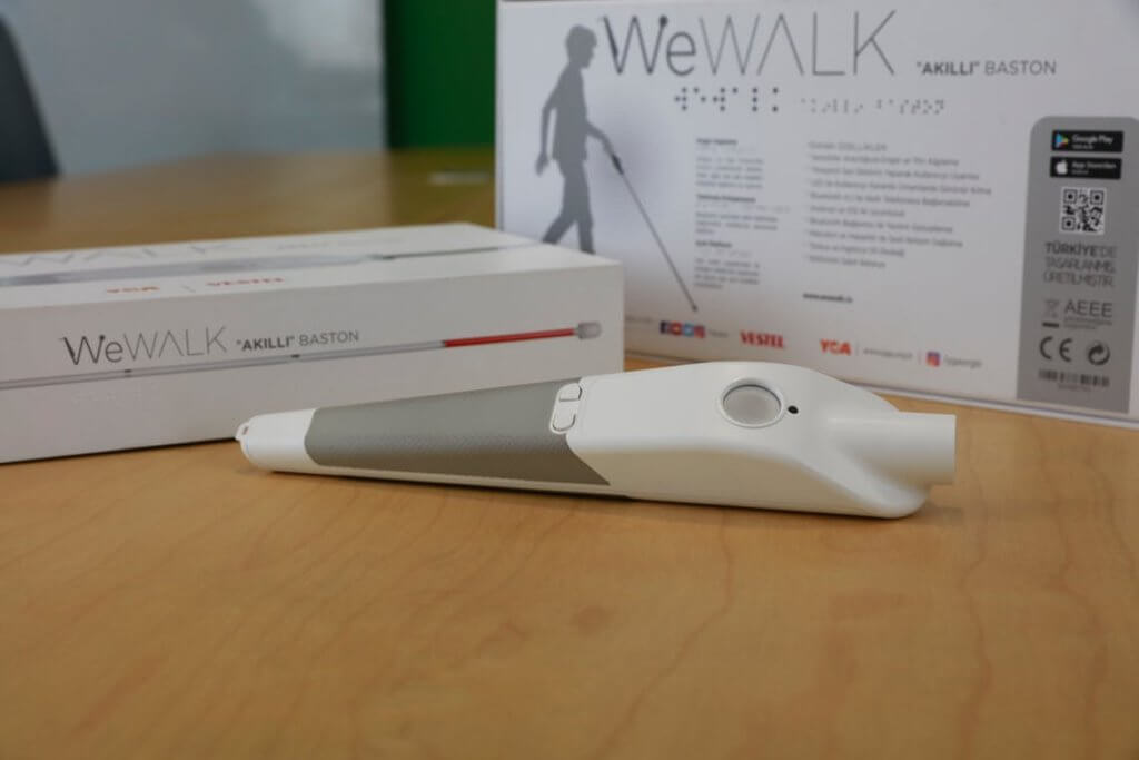 WeWalk bastone intelligente per Persone Non Vedenti